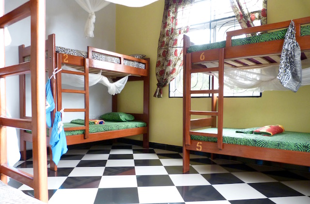 Rafiki Backpackers 6 Bed Mixed Dormitory